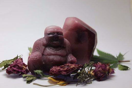 Picture of Vegan Pure Buddha Soaps embedded with healingstones